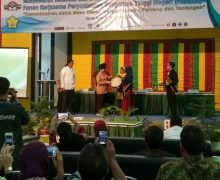 Perwakilan Poltekkes Kemenkes Aceh Ikuti MUNAS dan Seminar Nasional FKP2TN (Forum Kerjasama Perpustakaan Perguruan Tinggi Negeri) 2017