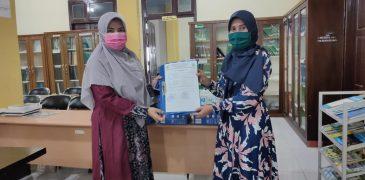 Perpustakaan Terima Hibah Buku dari Alumni Farmasi Poltekkes Aceh